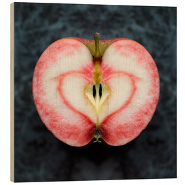 Wood print  Symmetrical apple with red heart - Cultura/Seb Oliver
