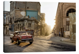 Canvas print  Vintage car on the streets of Havana - Novarc
