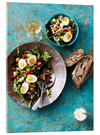 Acrylic glass  Salad with boiled eggs, beans and black bread - Cultura/Seb Oliver