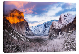 Canvas  Sunset over the Yosemite Valley - age fotostock