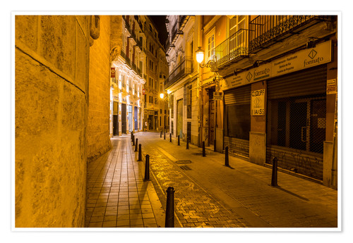 Premium poster Valencia old town at night