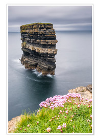 Premium poster  Downpatrick Head in front of Gray Lake in Ireland - Francesco Vaninetti
