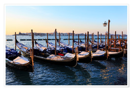 Premium poster Gondolas in the snow with a view of Venice