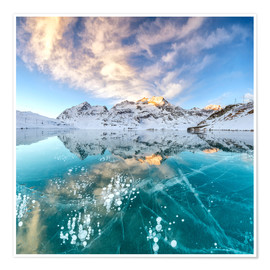 Premium poster Ice bubbles in frozen lake