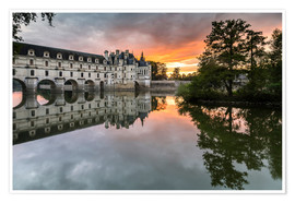Premium poster Castle Chenonceau reflects in the Loire at sunset