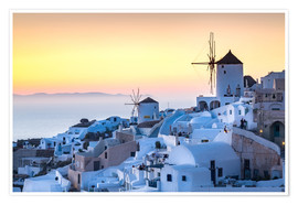 Premium poster  Sunset over the white stone buildings of Santorini - Matt Parry