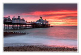 Premium poster  Eastbourne Pier and fiery red sky - Lee Frost