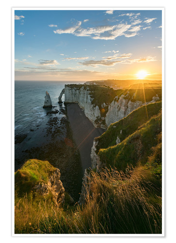 Premium poster Sunbeams at dawn on the cliffs
