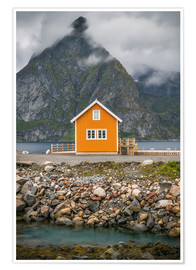 Premium poster The yellow fisherman's house in the Lofoten