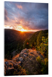 Oliver Henze - Dramatic sunset on a cliff in the Harz