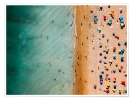 Premium poster Aerial view of people at the beach in Portugal
