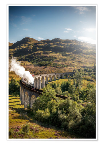 Premium poster Glenfinnan viaduct in Scotland